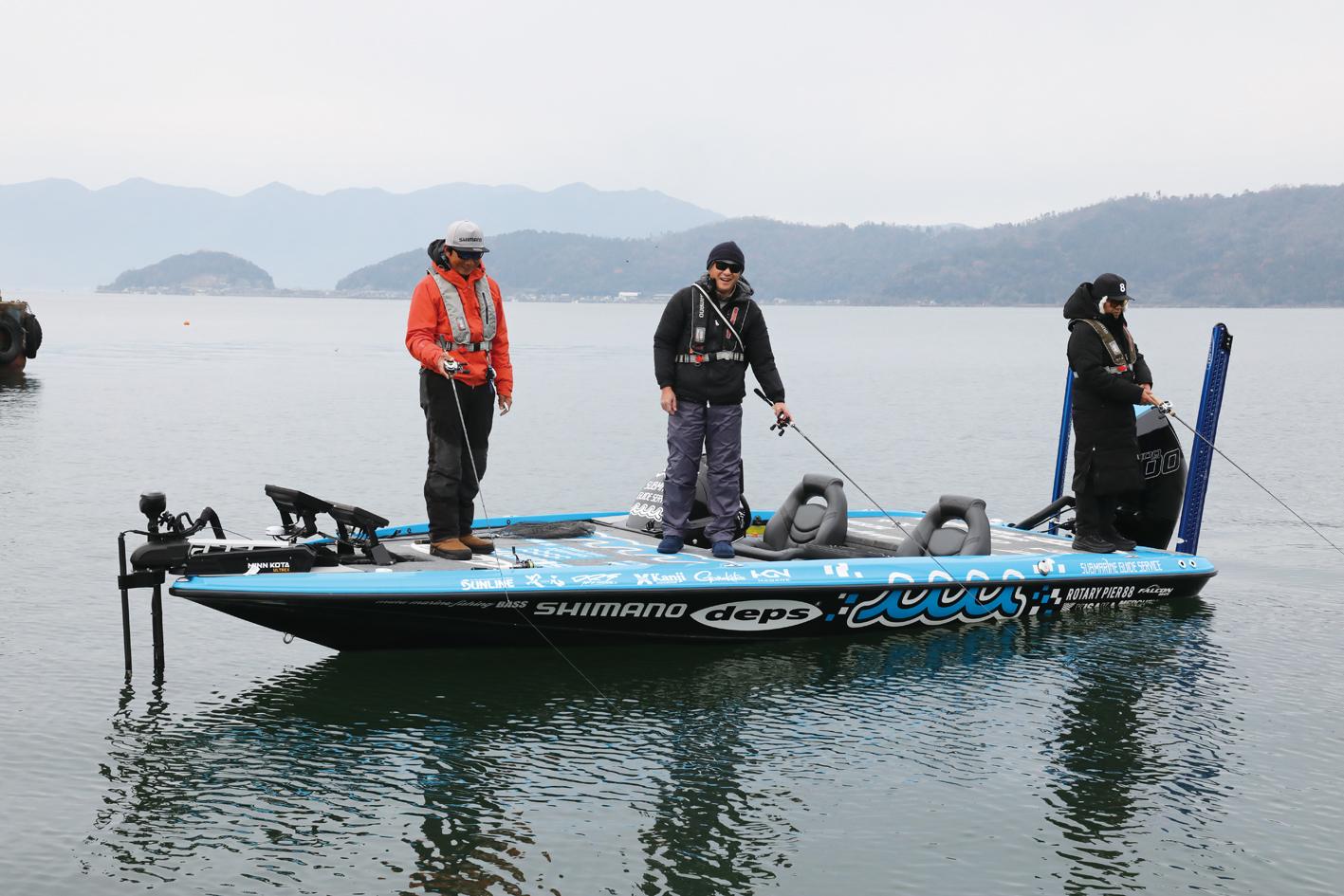 冨本タケルプロのニューボート「FALCON F215」がムータデザインのお洒落なラッピングで琵琶湖に登場!!